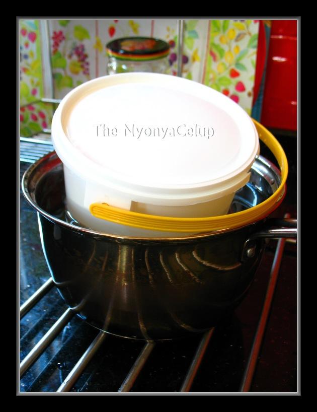 Incubating Yoghurt